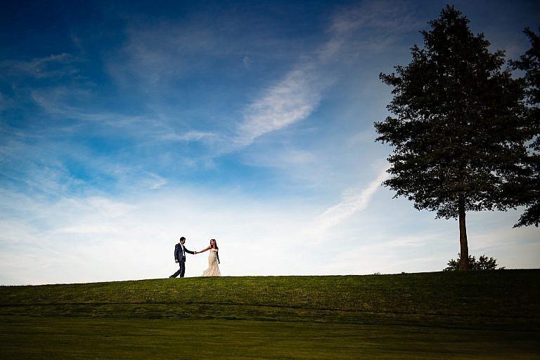 wedding photography blue skies couple